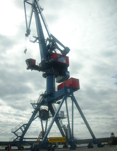 Zastosowanie wind i platform w portach