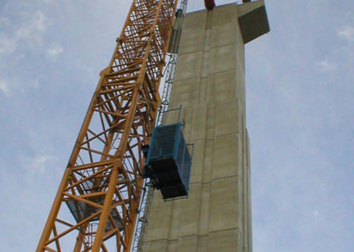 (21)-E05-ideal-as-tower-crane's-service-hoist