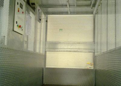 (25)-e30-interno-cabina